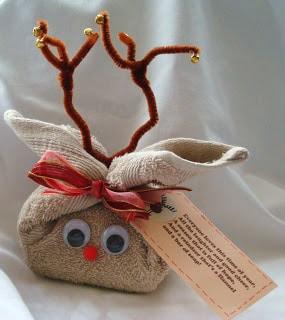 BumbleBees Craft Den Reindeer gift wrap
