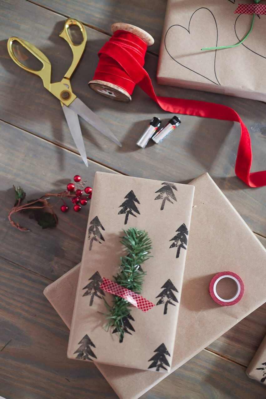 Fresh Mommy Blog Simple-and-easy-Christmas-wrapping-paper.-Create-your-own-style-and-design-with-potato-stamping-4 (1)