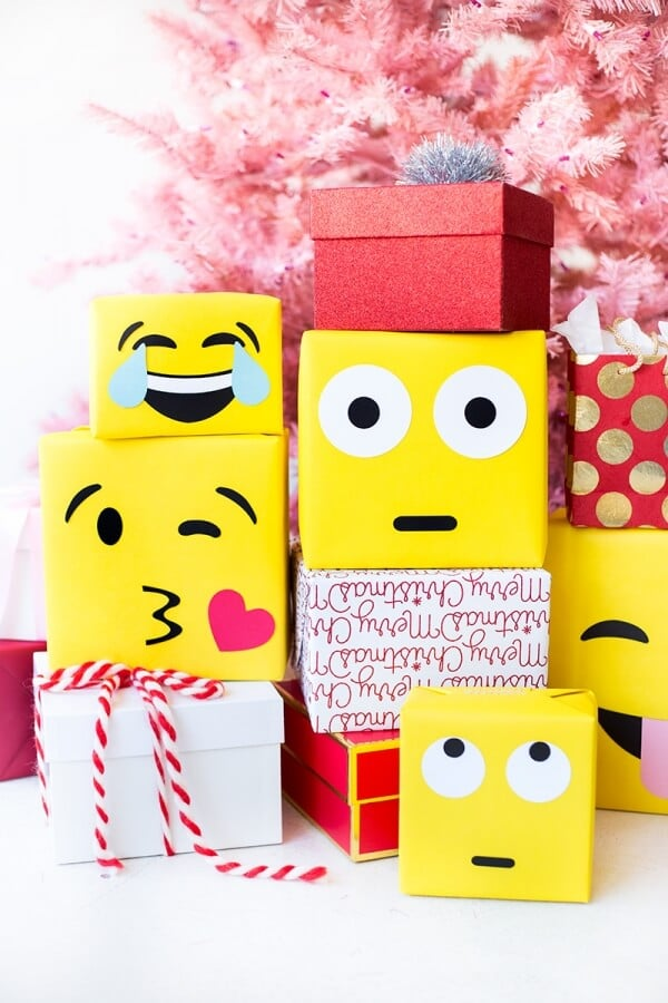 Studio DIY DIY Emoji gift wrapping