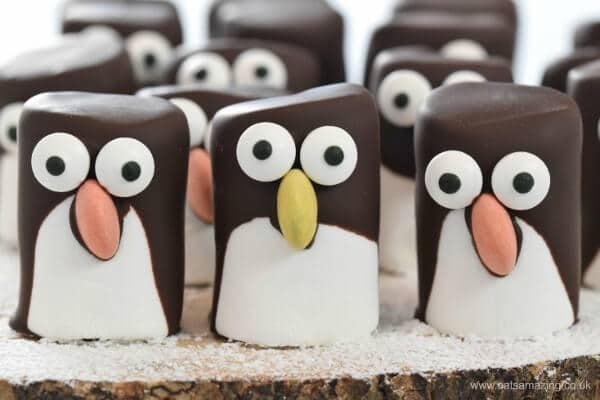 Christmas marshmallow recipes, easy marshmallow penguins from Eats Amazing