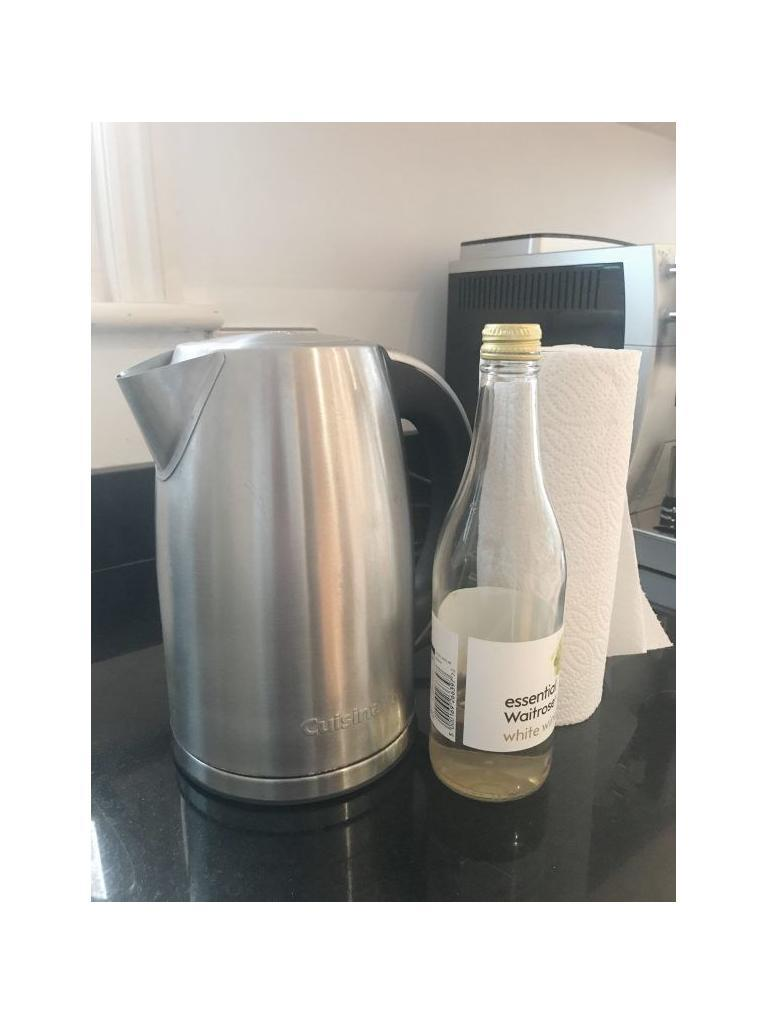 A simple cleaning hack for naturally descaling a kettle of limescale using white wine vinegar. This cleaning tip is so easy and takes minutes, so you can do it every week without it taking up loads of your time. #descaling #limescale #vinegar #Cleaning #CleaningTips #CleaningTricks #CleaningHacks #HouseholdHacks #Greenclean #Greencleaning #Greencleaners #Cleaningtips #CleaningHacks #Cleaning #housework #houseworktips #vinegar