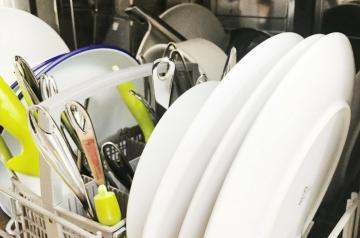 "data-pin-description=""Organize kitchen - Four super simple tips and hacks that help you keep your kitchen organized. #KitchenOrganization #kitchen #Organisation #Organization #OrganizationTips #OrganizationIdeas"""
