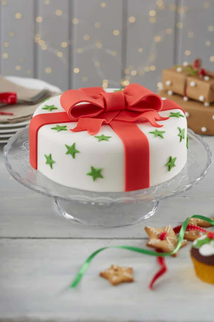 18 AWESOME Christmas cake decorating ideas | Mums Make Lists