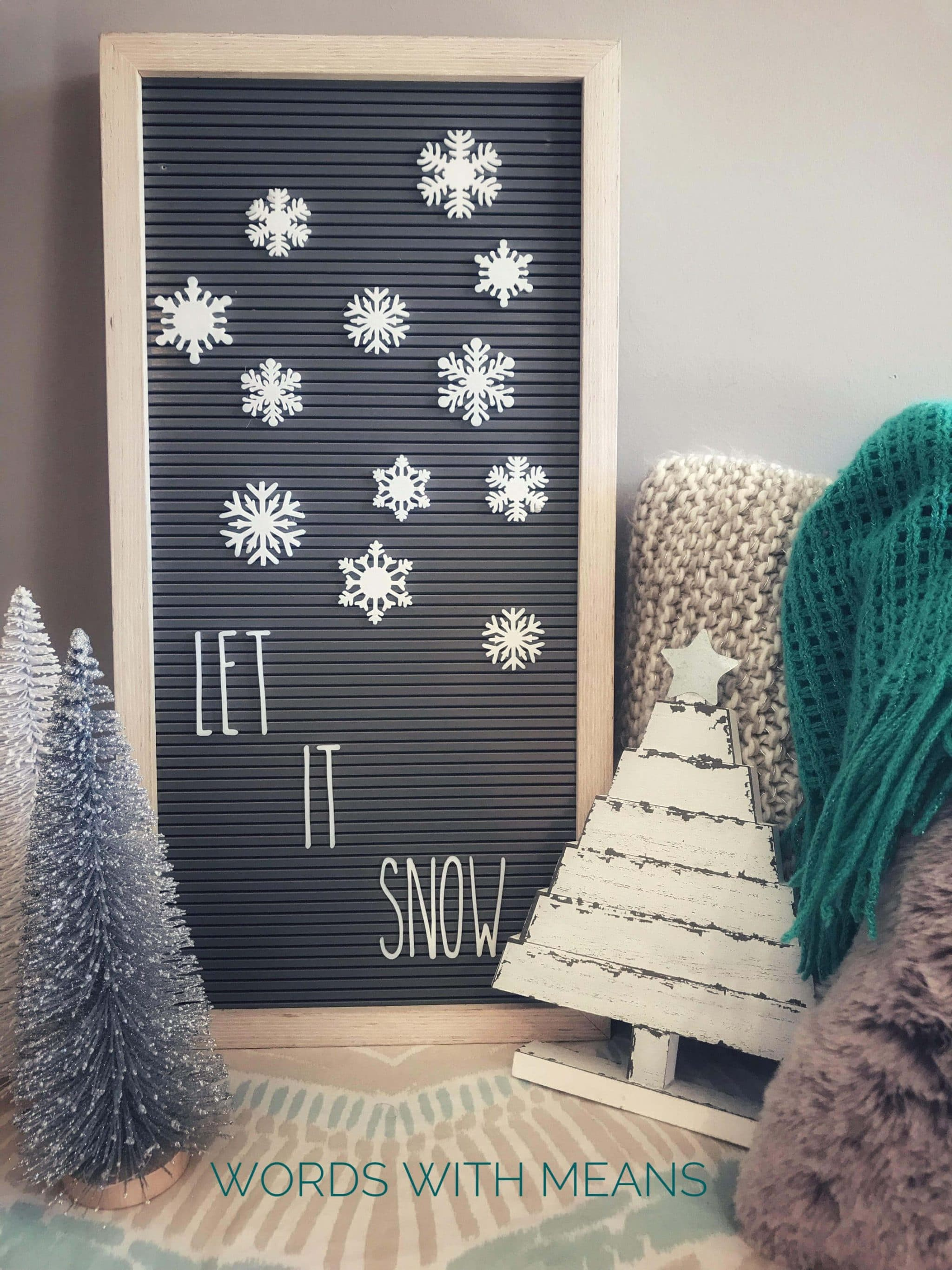 Snowflake letter board icons