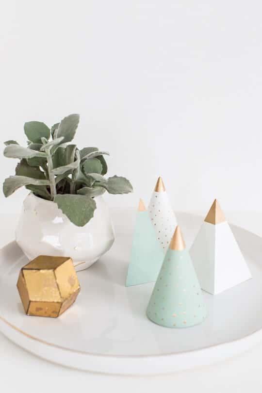 Mini wooden Christmas tree decoration tutorials, homemade Christmas decorations