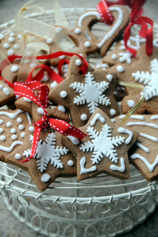Gingerbread cookie Christmas tree decorations, easy Christmas decorations, easy to make Christmas decorations