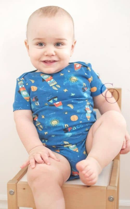 Free baby onesie pattern, free baby onesie digital download, free baby onesie PDF, free baby onesie pattern, baby onesie pattern