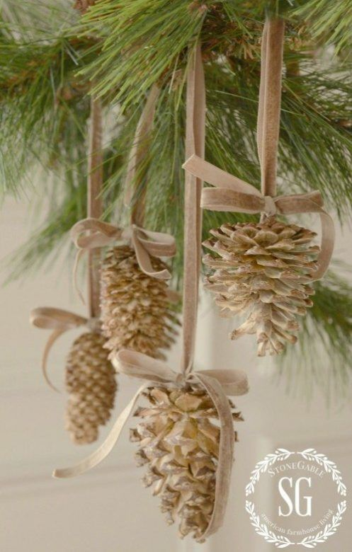 35 easy homemade christmas decorations Homemade christmas decorations using pine cones
