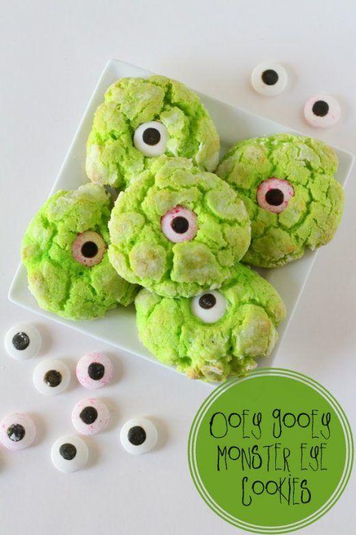 Easy kid friendly Halloween treats ... google eye monster cookies from Lil Luna