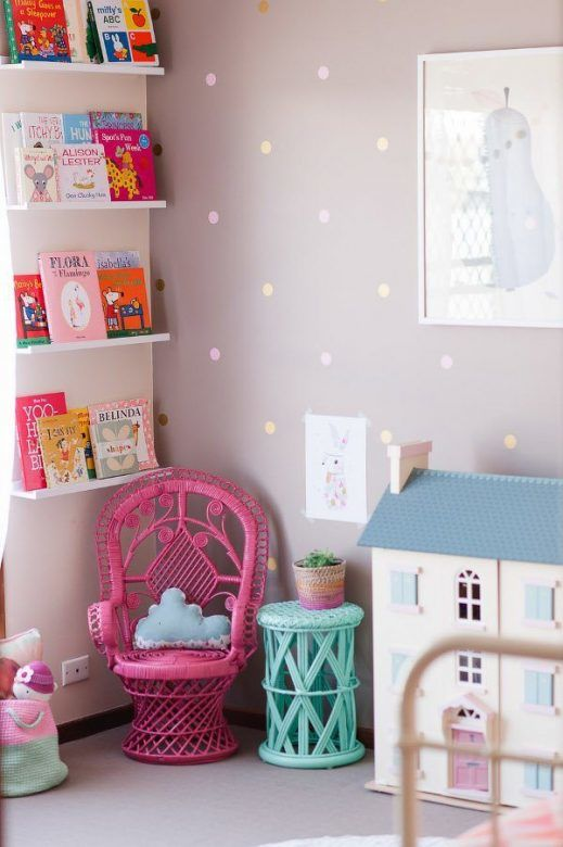 pale-pink-and-gold-decals-on-painted-wall