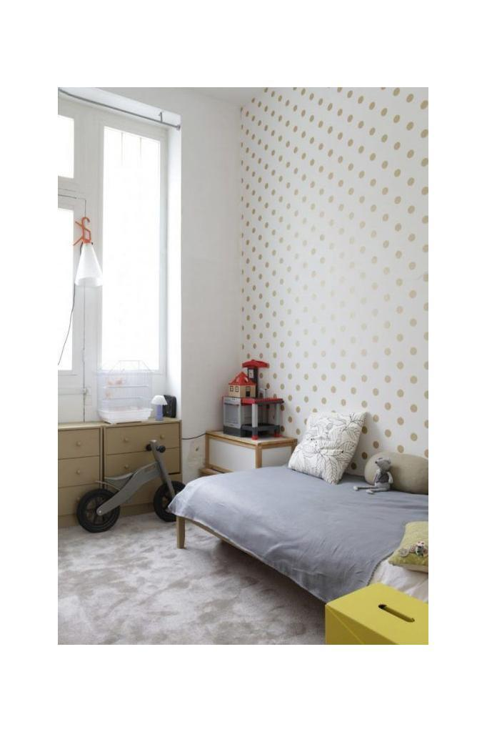 soft-gold-polka-dot-on-white-wallpaper